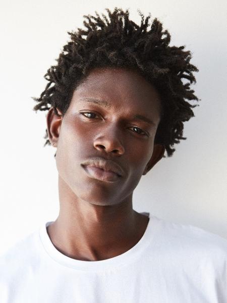 Marcelo Lima, de Salvador (BA), começou a trabalhar como modelo depois de participar de concurso - Divulgação