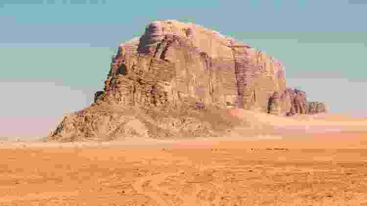Montanha em Wadi Rum - Andrea Leopardi/Unsplash - Andrea Leopardi/Unsplash
