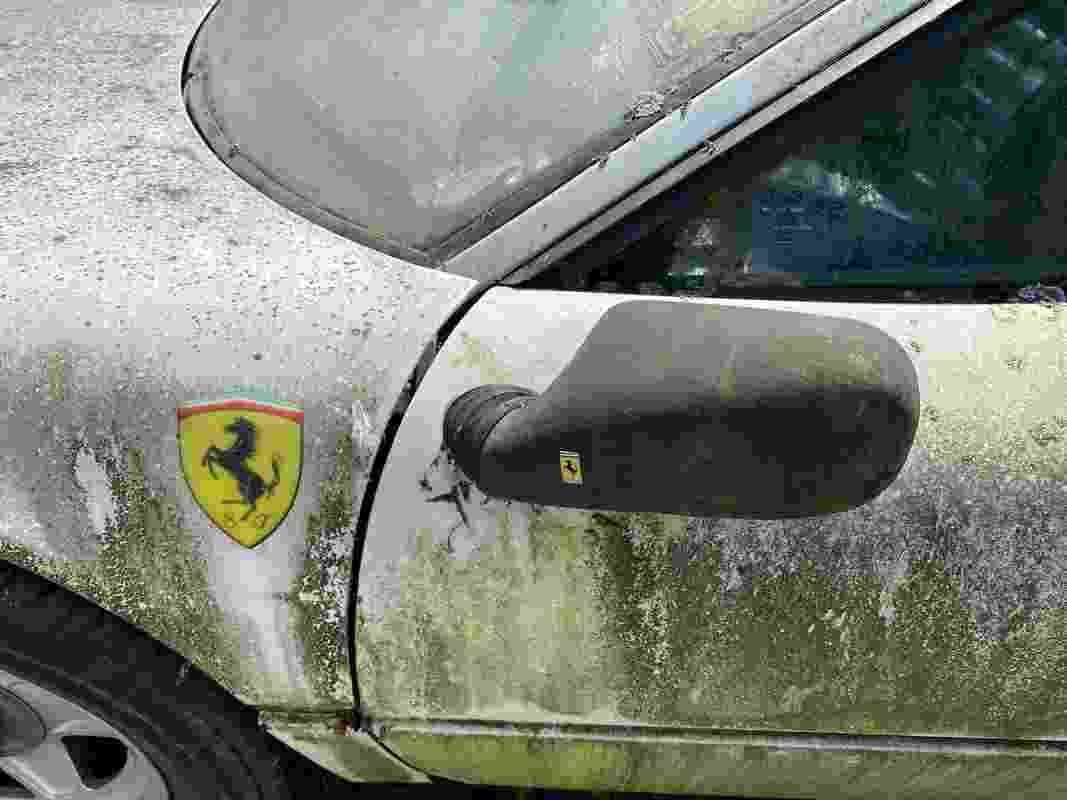 Caçador de Ferraris Scott Chivers Ferrari 512BBi 1983 rara apodrece em quintal na Inglaterra - Arquivo pessoal