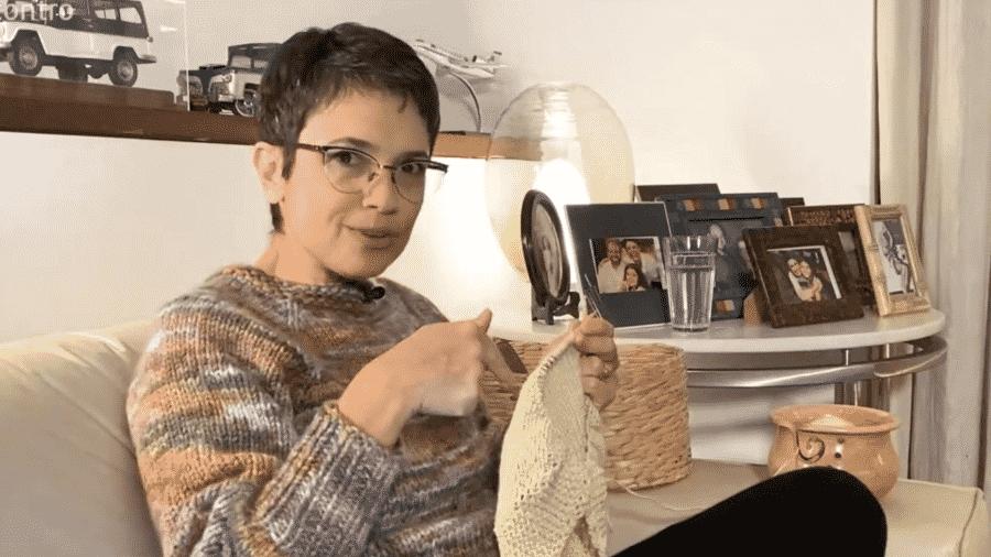 """Sandra Annenberg participa do """"Encontro"""", tricotando - Reprodução/TV Globo"""
