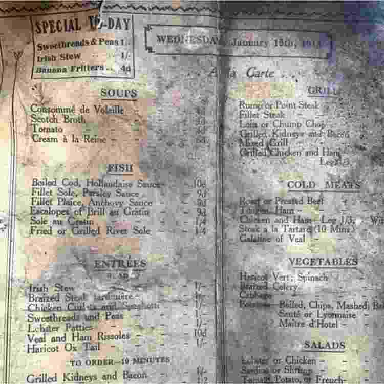 """Lista de pratos servidos pelo """"Yamen Café and Tea Rooms"""" - Reprodução/Leaf - Reprodução/Leaf"""