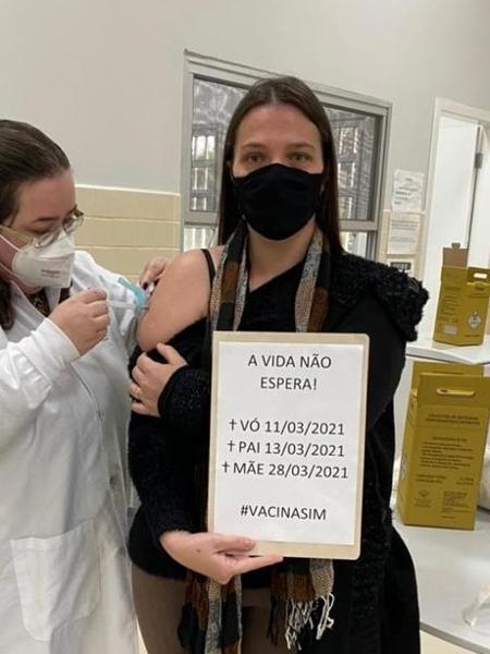 Tallyta Bueno de Cerqueira recebeu a primeira dose da vacina em Ponta Grossa (PR) - Arquivo pessoal