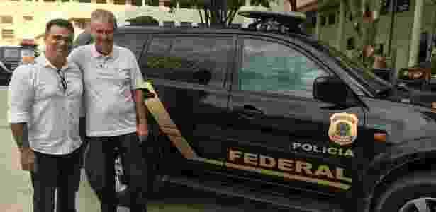 Diretor Marcelo Antunez e produtor Tomislav Blazic em visita à Polícia Federal de Curitiba (PR) - Arquivo Pessoal/Tomislav Blazic