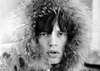 No aniversário de 73 anos de Mick Jagger, 20 looks da lenda do rock - Reprodução/Glamurama