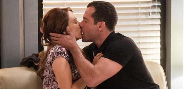 """Tancinha (Mariana Ximenes) e Apolo (Malvino Salvador) se beijam em """"Haja Coração"""" - Estevam Avellar/TV Globo"""