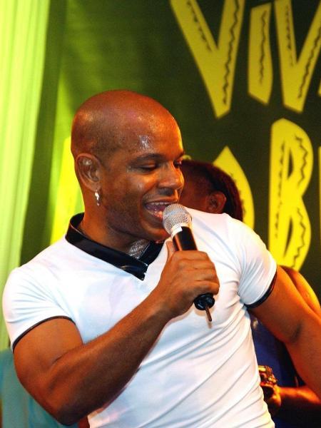 Reinaldo, ex-vocalista do grupo Terra Samba - AFP - 21.jul.2001
