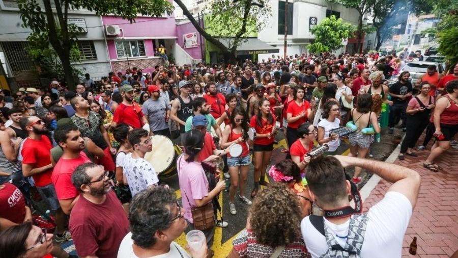 """Em 2017, Bloco Soviético desceu Augusta aos gritos de """"Lula, ladrão, roubou meu coração"""" - Ricardo Matsukawa/UOL"""
