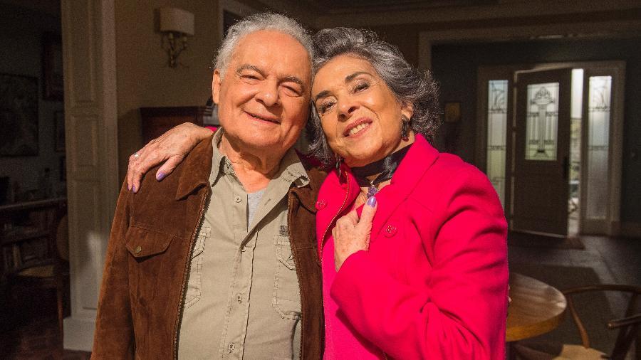 """Betty Faria e Othon Bastos formam o divertido casal Elvira e Garcia em """"A Força do Querer"""": por que tão raros na TV? - Mauricio Fidalgo/Divulgação/TV Globo"""