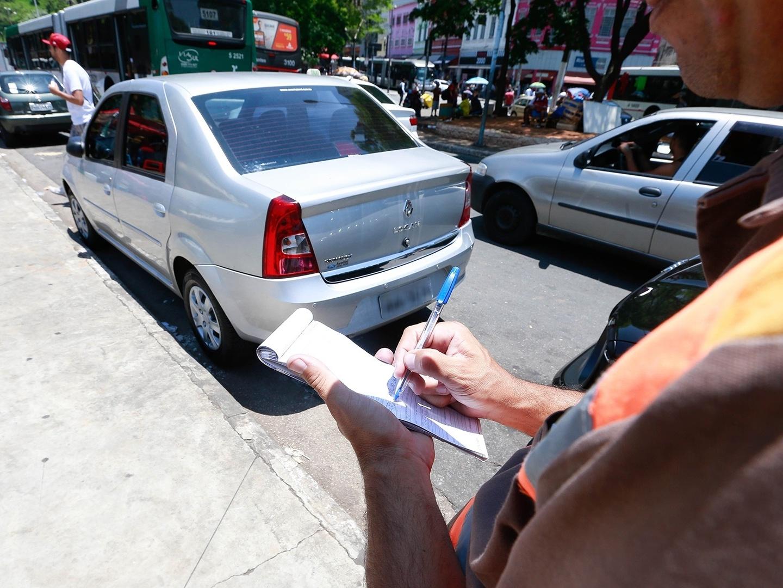 Multas de trânsito: como e onde já é possível solicitar desconto de 40%