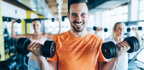 Ir para a academia e levantar pesos algumas vezes por semana pode ser uma maneira efetiva de melhorar a saúde mental