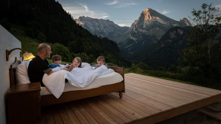 deb995ae3ef Suíça tem hotel com quartos sem teto ou paredes e com vista para os ...
