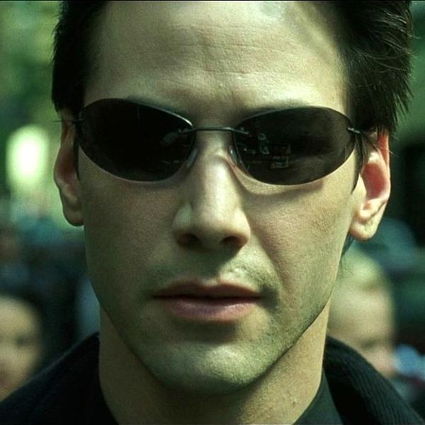 Keanu Reeves em cena do filme 'Matrix'