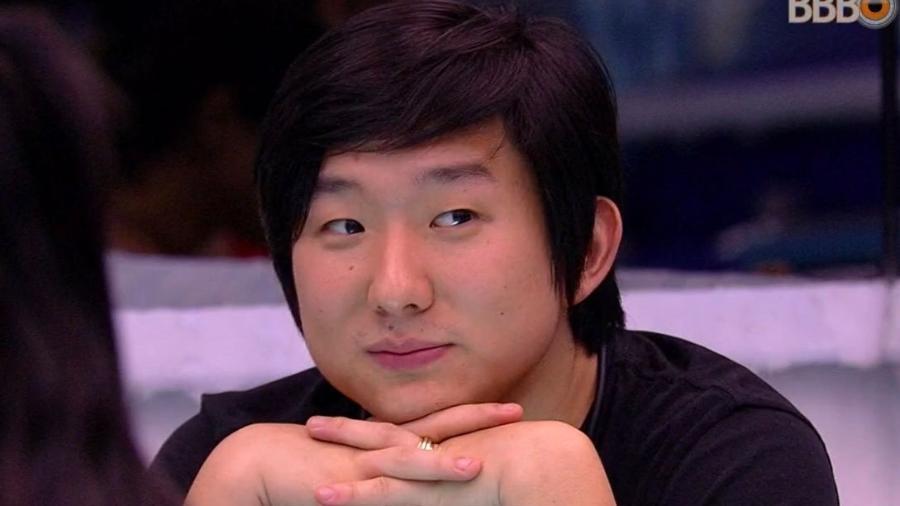Pyong Lee está sendo perseguido pelos colegas - Reprodução/GlobosatPlay