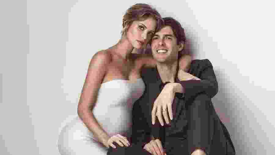 Carol Dias (à esq.) com o marido, Kaká - Reprodução/Instagram