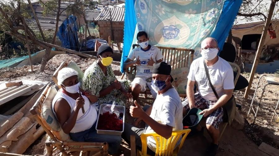 Moradores de uma ocupação dentro do Taquaril, em Belo Horizonte, organizam cozinha solidária - Arquivo pessoal
