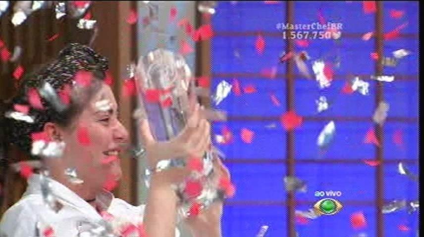 15.set.2015 - Izabel é a grande vencedora da segunda edição do MasterChef