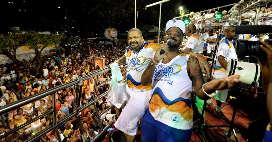 Arlindo Cruz contagia o público no Carnaval de Salvador