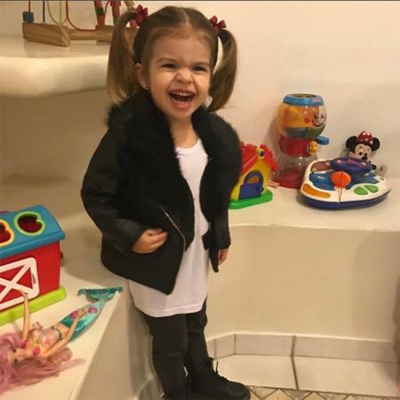Valentina Muniz, filha de Mirella Santos e Wellington Muniz, dá um show de fofura nas redes sociais - Reprodução/Instagram