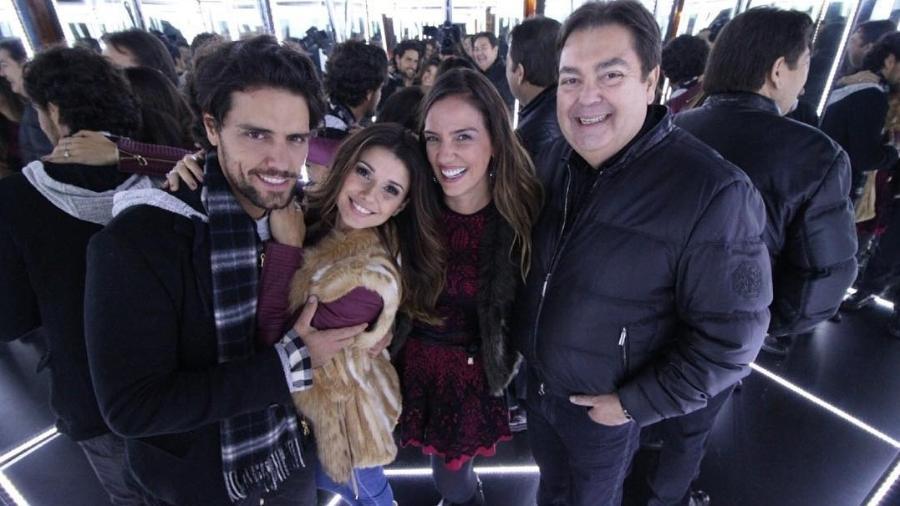 Thiago Arancam e a namorada, Paula Fernandes, com o casal Luciana Cardoso e Fausto Silva - Reprodução/Instagram