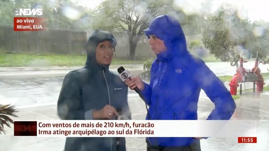 As repórteres Carolina Cimenti e Sandra Coutinho na cobertura da passagem do furacão Irma em Miami - Reprodução/Globonews