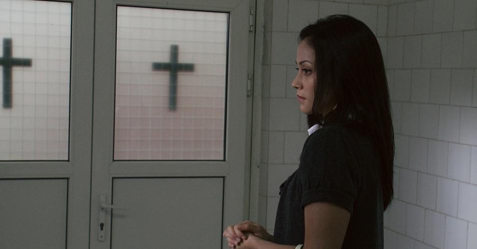 """Fernanda Andrade em cena de """"Filha do Mal"""" (2012)"""