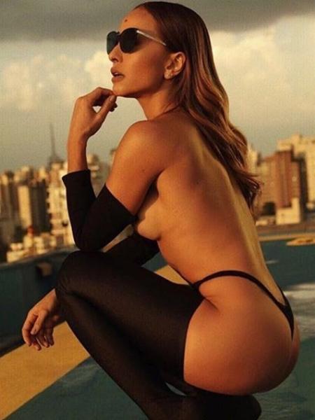Sabrina faz ensaio sensual  - Reprodução/Instagram