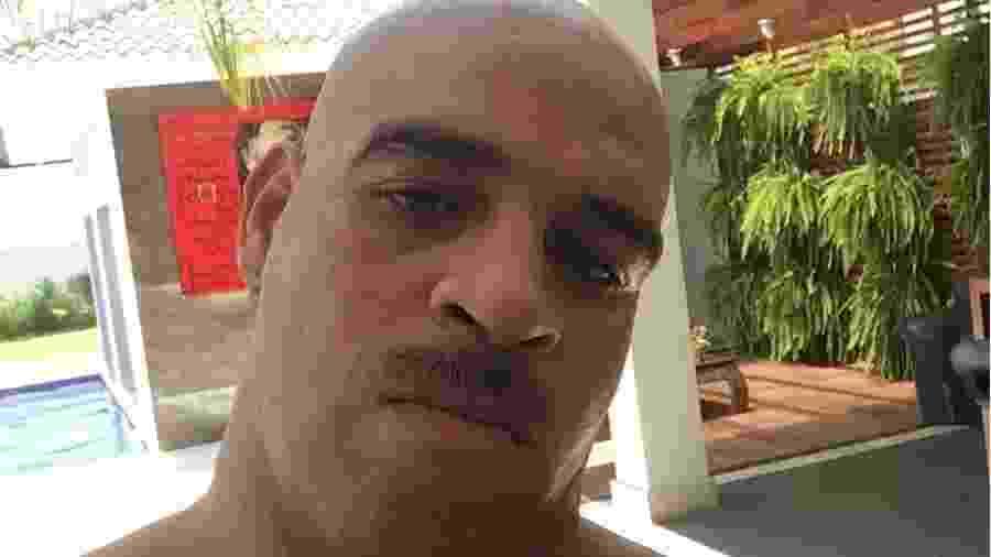 Adriano Imperador muda visual e adota bigodinho - Reprodução/Instagram