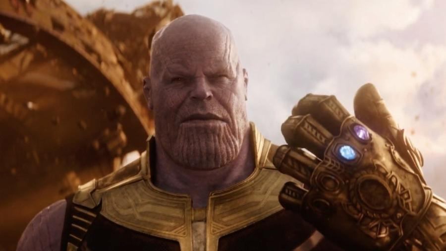 """Thanos empunha a Manopla do Infinito com as Joias do Poder e do Espaço no trailer de """"Vingadores: Guerra Infinita"""" - Reprodução"""