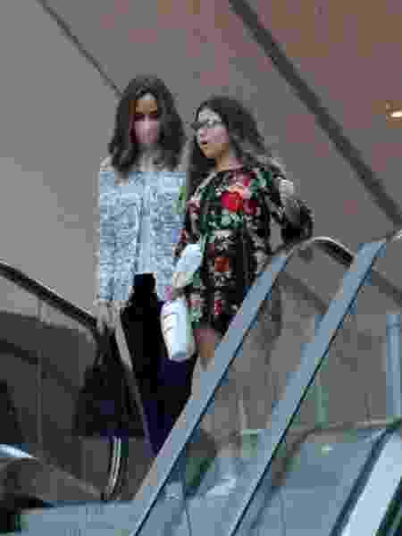 Ana Furtado é flagrada passeando com a filha em shopping no Rio - J Humberto/Agnews