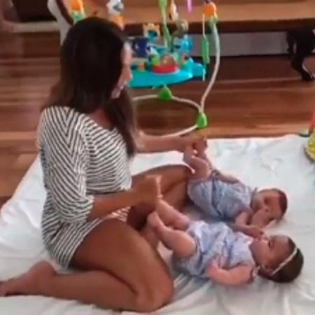 Ivete Sangalo posta vídeo cuidando das gêmeas - Reprodução/Instagram