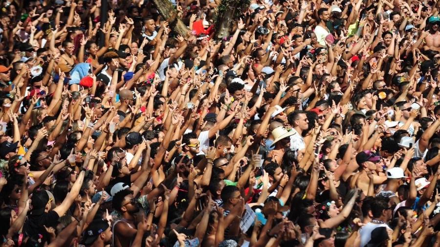 Bloco da Santinha, comandado por Léo Santana, na Arena Carnaval SP - Junior Lago/UOL