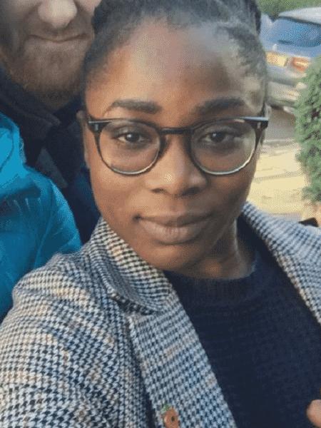 A britânica Julia Ogiehor chamou a polícia após sofrer racismo no metrô - Reprodução/Twitter