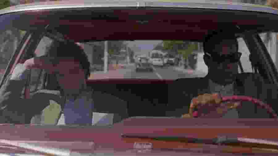 Martin Short e Danny Glover em cena de É Pura Sorte - Reprodução