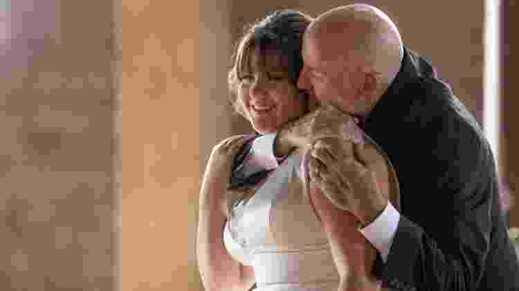 Ashlee se veste de noiva para ter sua última dança com o pai - Reprodução/Facebook