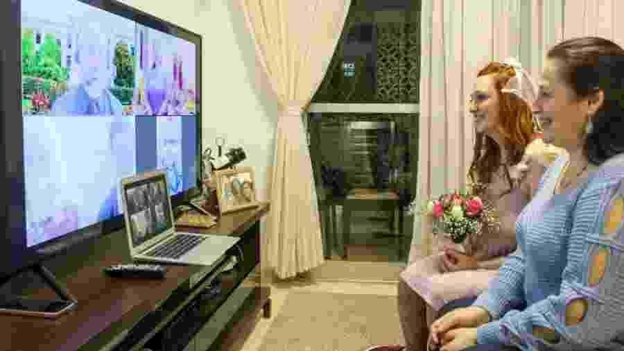 Amanda e Sabrina casaram à distância via Zoom - acervo pessoal