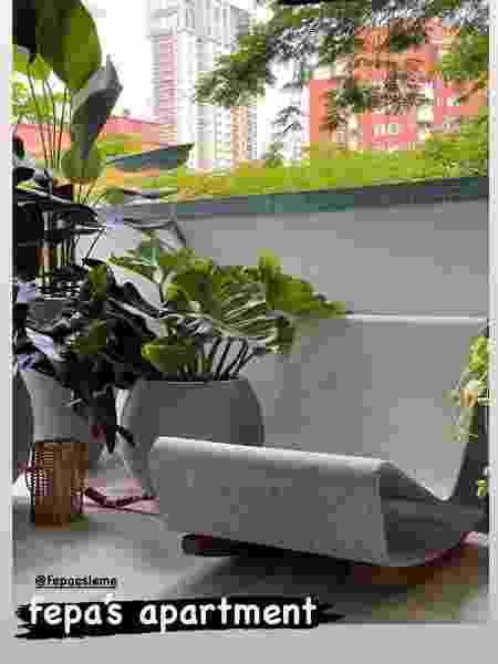 A cadeira Loop Chair, do designer suíço Willy Guhl, custa em média R$ 10 mil - Reprodução - Reprodução