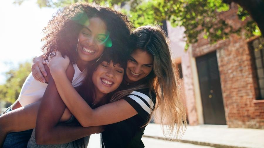 Projeto quer dar incentivo para contratação de mulheres negras e vítimas de abuso, além de rever tributação de pensão - iStock