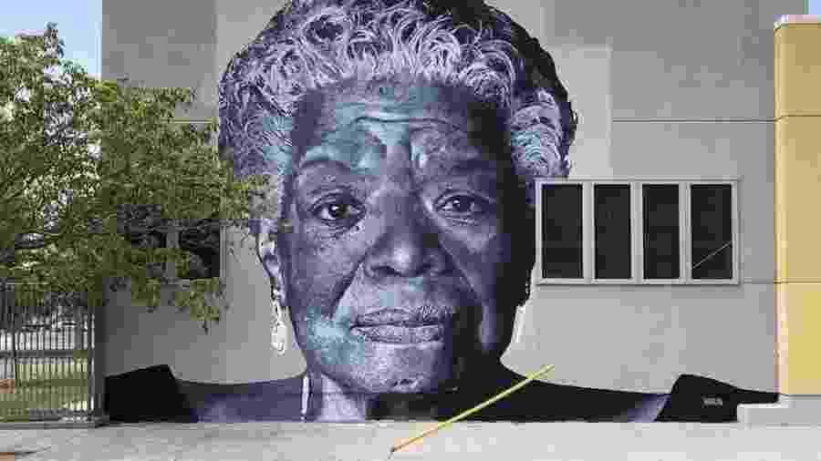 Imagem de Maya Angelou no muro de uma escola de ensino médio de Los Angeles - Reprodução/Instagram