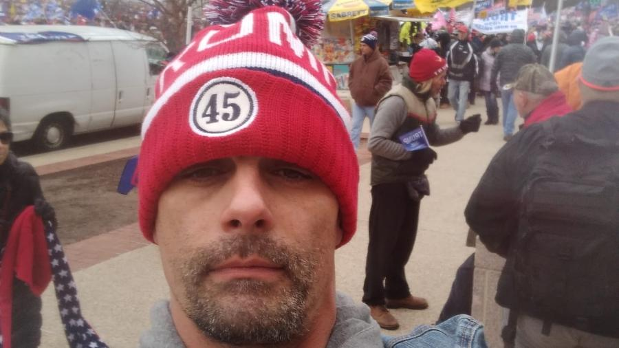 Jason Allen Alexander, ex-marido de Britney Spears durante protesto nos EUA - Reprodução/Instagram