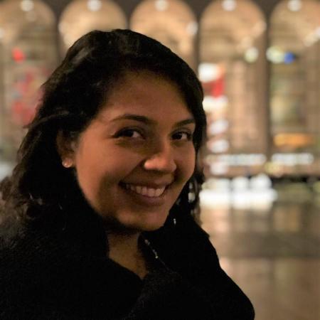 Gabrieli Nieman Mello, 29, teve diagnóstico de depressão e compulsão alimentar - Arquivo pessoal