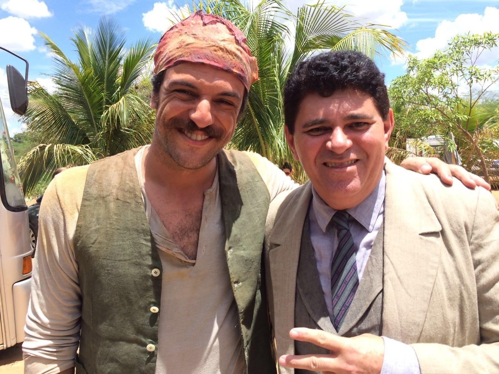 Rodrigo Lombardi e Batoré nos bastidores gravação de