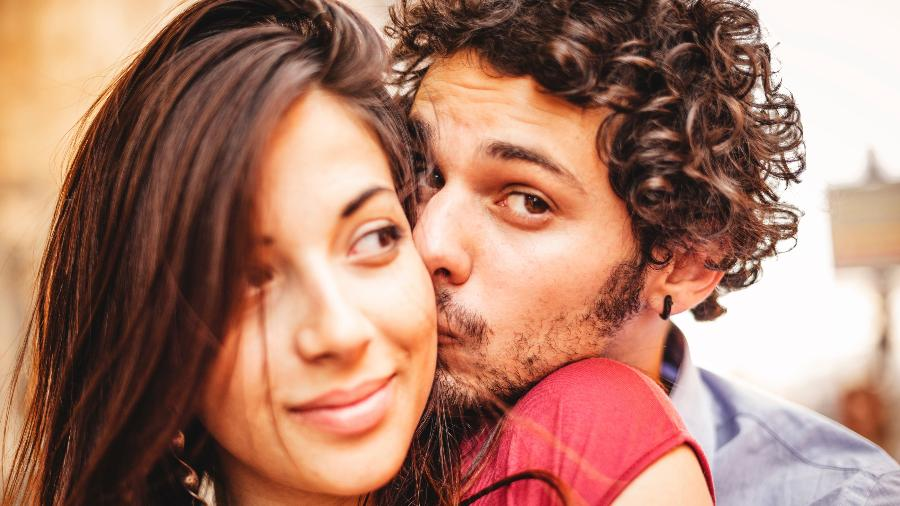 Latino-americanos são mais passionais e nutrem amor mais apegado e menos independente - iStock Images