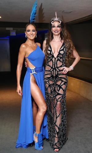 16.fev.2017 - Luciana Gimenez e Ticiane Pinheiro no Baile de Carnaval da Vogue, no hotel Unique, em São Paulo