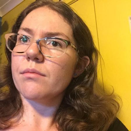 A australiana Rebecca Sharrock consegue se lembrar de coisas que aconteceram com ela desde o 12º dia de vida - Reprodução/Facebook