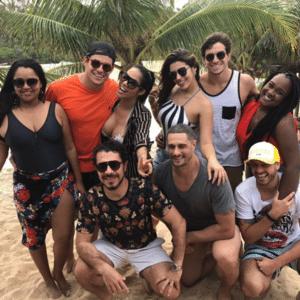 Ex-BBBs curtem dias em Maceió
