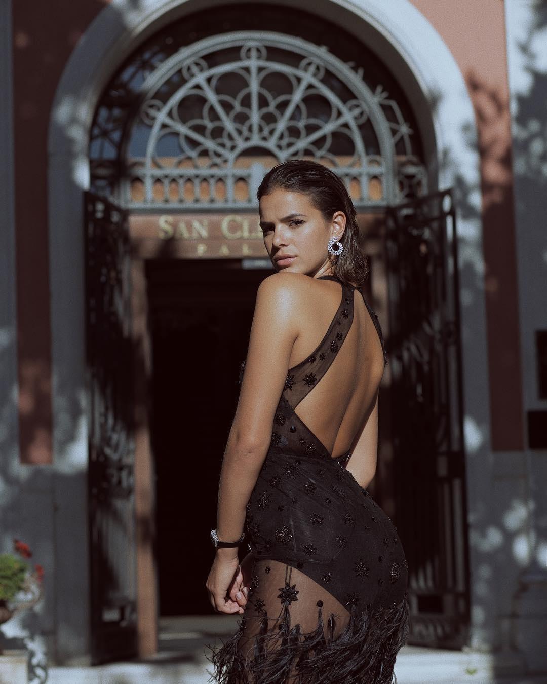 d1d6bd58863 Bruna Marquezine usa look milionário em presença VIP em Veneza - 04 09 2017  - UOL TV e Famosos