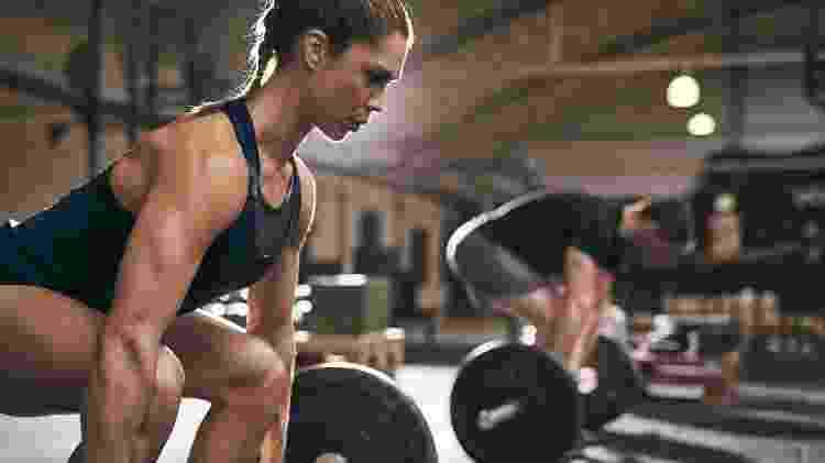 Exercícios físicos promovem maior queima calórica, auxiliando na perda de peso - iStock