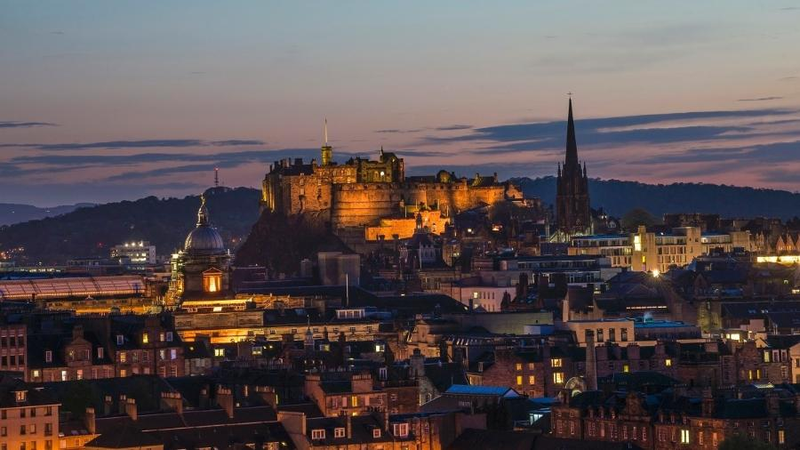 Millennials têm dificuldade para fechar as contas em São Paulo, mas podem se dar bem em Edimburgo - VisitBritain/VisitScotland