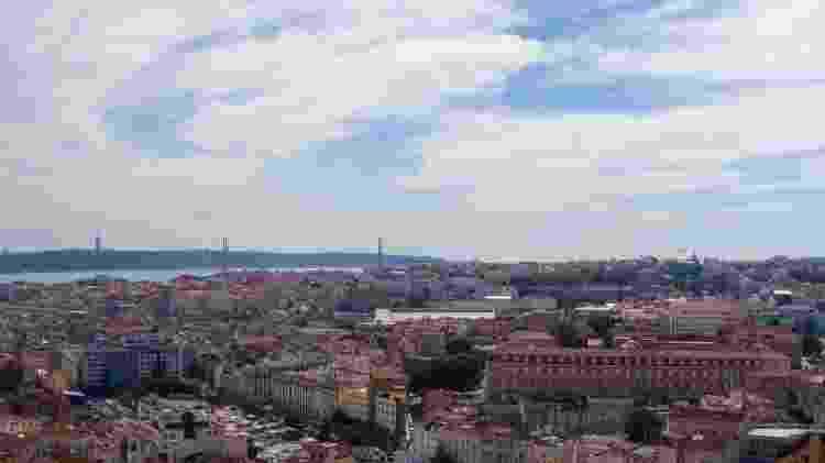 Vista oferecida pelo Miradouro da Senhora do Monte, em Lisboa - Getty Images/iStockphoto - Getty Images/iStockphoto