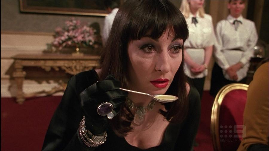 """Anjelica Huston em """"Convenção das Bruxas"""", de 1990 - Reprodução"""